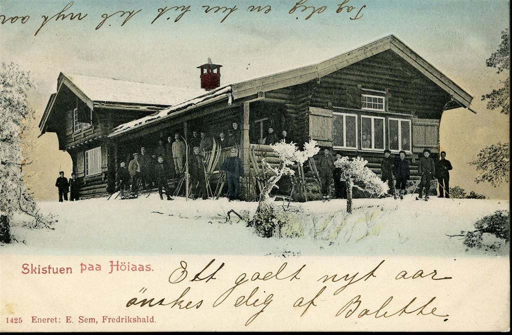 Østfold fylke Halden kommune HALDEN. Kolorert Skistuen paa Höiaas  Utg E.Sem. Postgått 1903