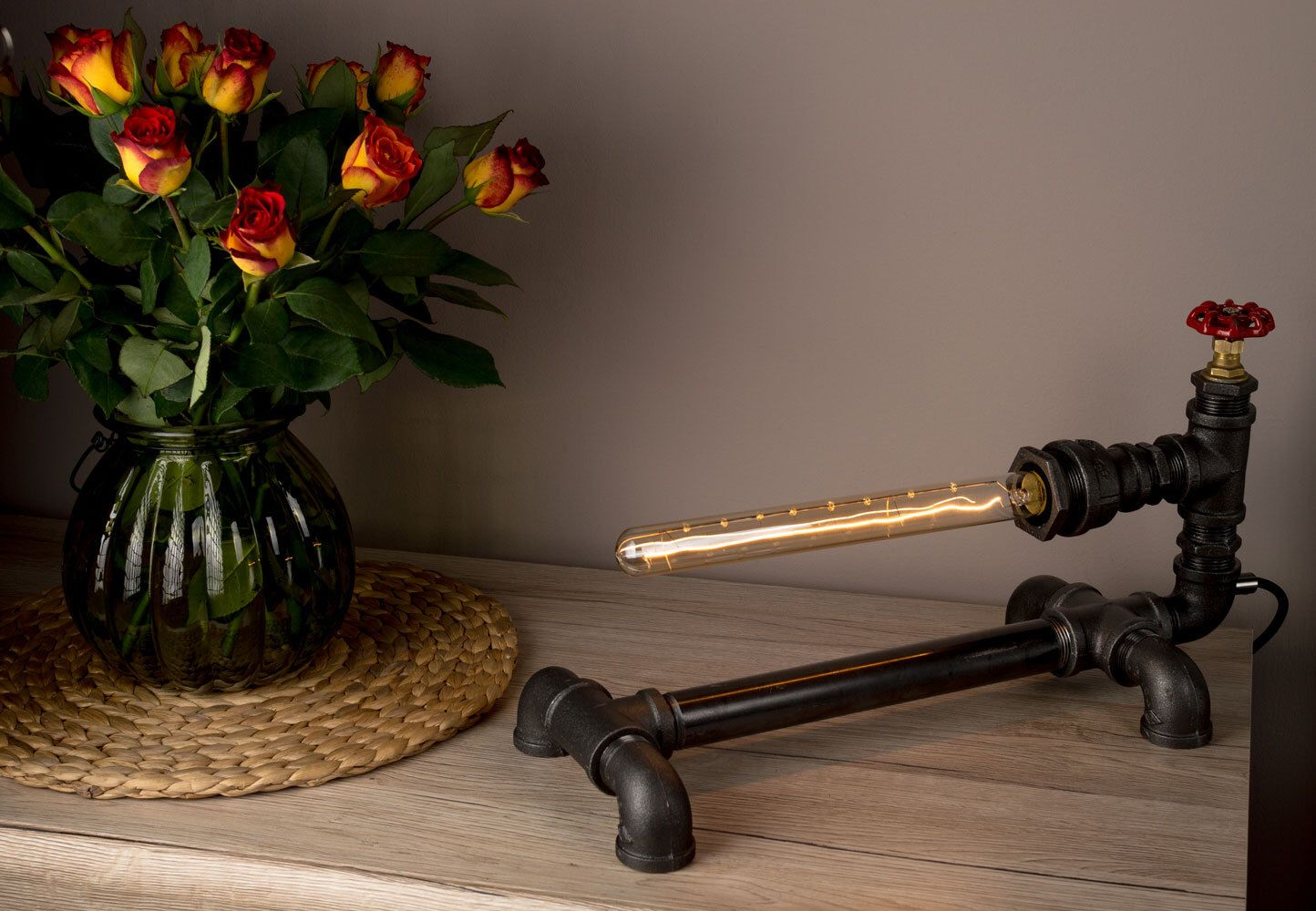 LUXMA® - Handmade in UK Table Lamp Industrial Style Iron Pipes with dimmer and E27 40W Edison Antique Bulb – Round Cloth Wire – UK Plug(Etsy のLuxmaLtdより) https://www.etsy.com/jp/listing/294482883/luxma-handmade-in-uk-table-lamp