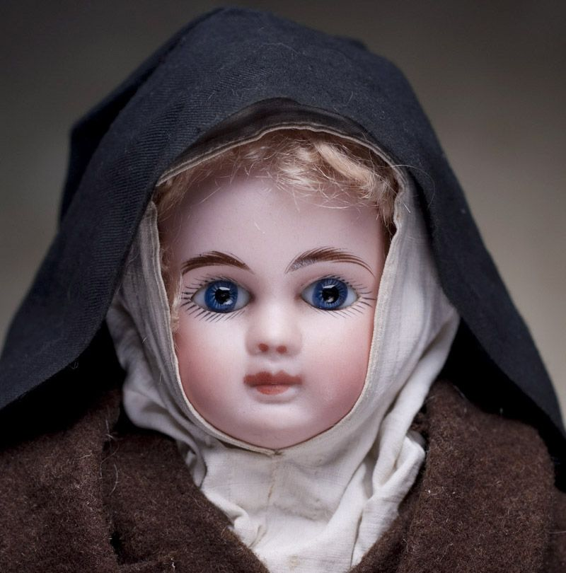 French antique dolls. Antique dolls at Respectfulbear.com