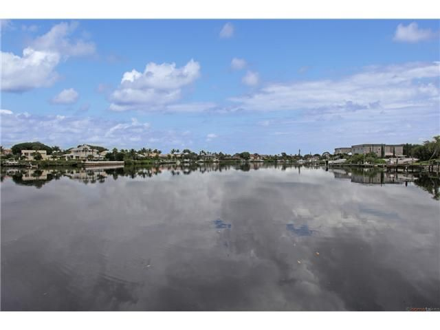 Absolutly Magnificent Highly Desirable Waterfront Mini Estate With Three Beds And Four Baths