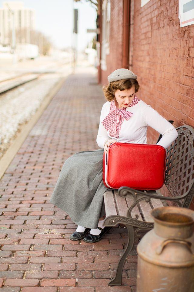 1950s Retro Train Station Photoshoot · Mode de Lis