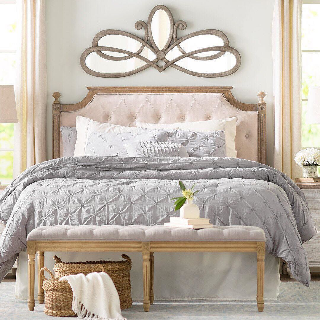 Bedroom interior wall decoration this bedroom is fit for a queen is it just us or does that wall