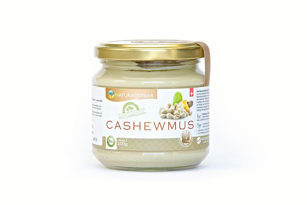 Nussmus ist ein super Begleiter zu einem Obst-Snack oder auch als Zutat für milchfreie Saucen oder Herstellen von Nussmilch.