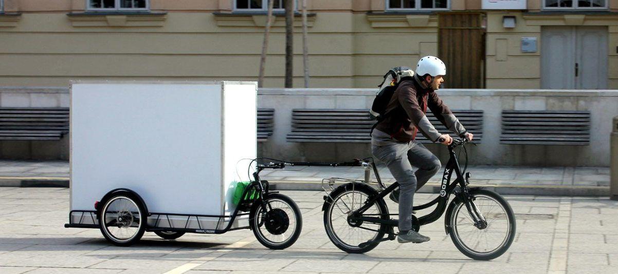 Der Fahrradanhänger Für Schwere Lasten Fahrrädercycles Fahrrad