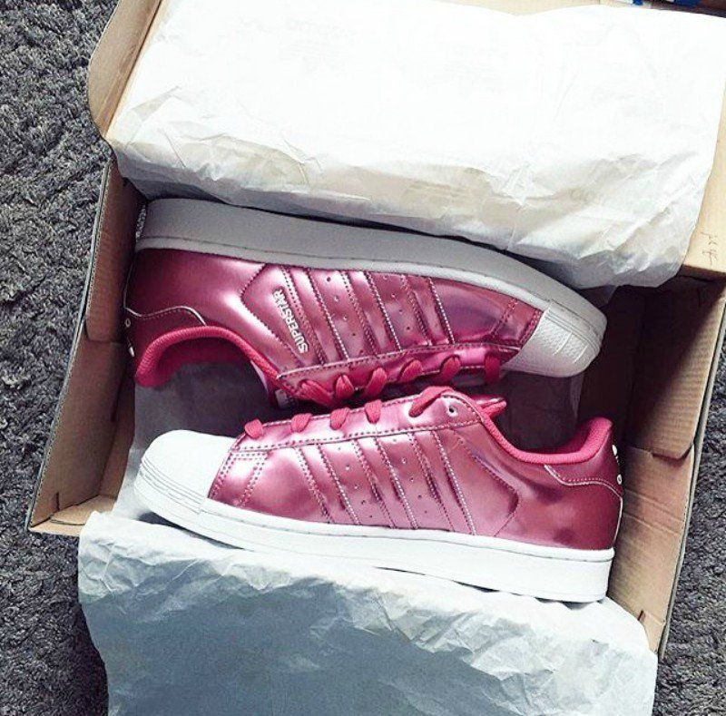 info for 7f343 51f0f pies de mujer con tenis adidas superstar rosa