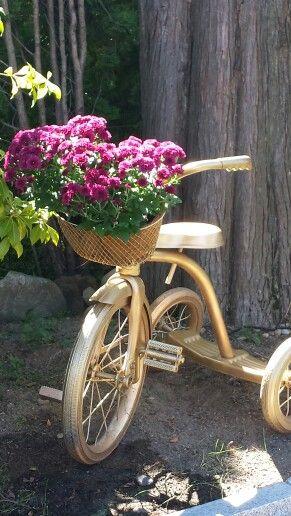 Tricycle Planter Garden Crafts Vintage Gardening 400 x 300