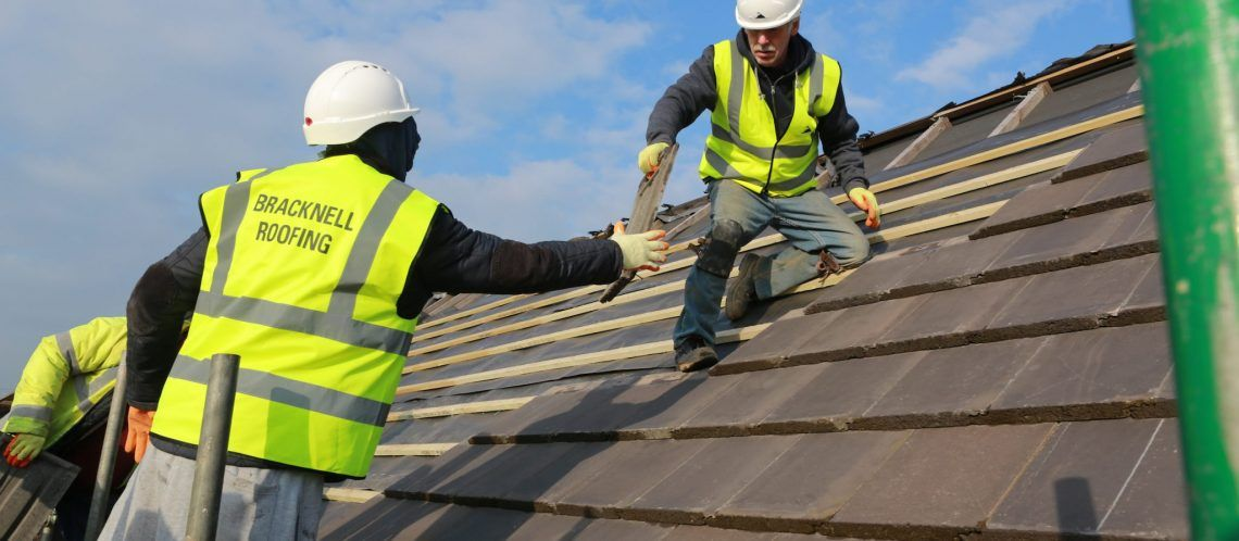Are You Urgently In Need Of A Roofing Expert In Bracknell In 2020 Cool Roof How Are You Feeling Roof Repair