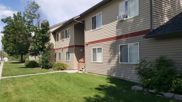 Pet Friendly 3bedroom 2bath Affordable Housing Garbagesewerwater Paid Billings Mt Rentals Accepts Section 8 Affordable Housing Playground Kids Playground