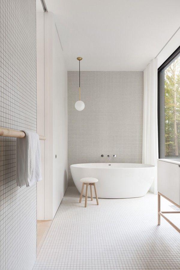 Photo of freestanding bath. Bedeimmer. bathroom.