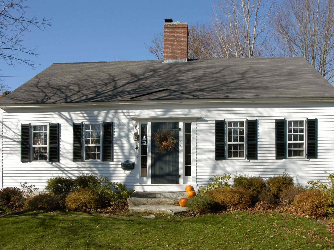 Small Cape Cod Home With Center Chimney Hgtv