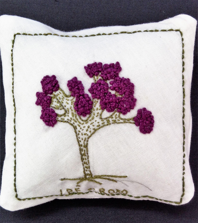 Ipê Roxo - Rubinete | TREES-NEEDLEWORK | Pinterest | Bordado ...