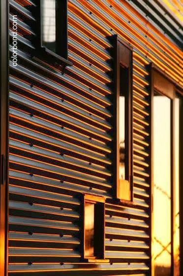 Cubierta met lica en muro exterior chapa pinterest for Revestimiento exterior zinc
