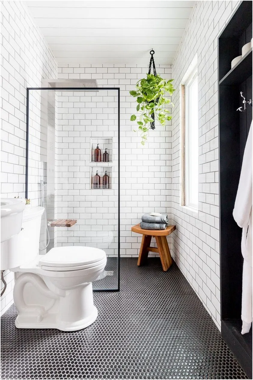 High End Fixtures Bath Room Remodel 15 In 2020 White Bathroom Designs Small Bathroom Small Bathroom Remodel