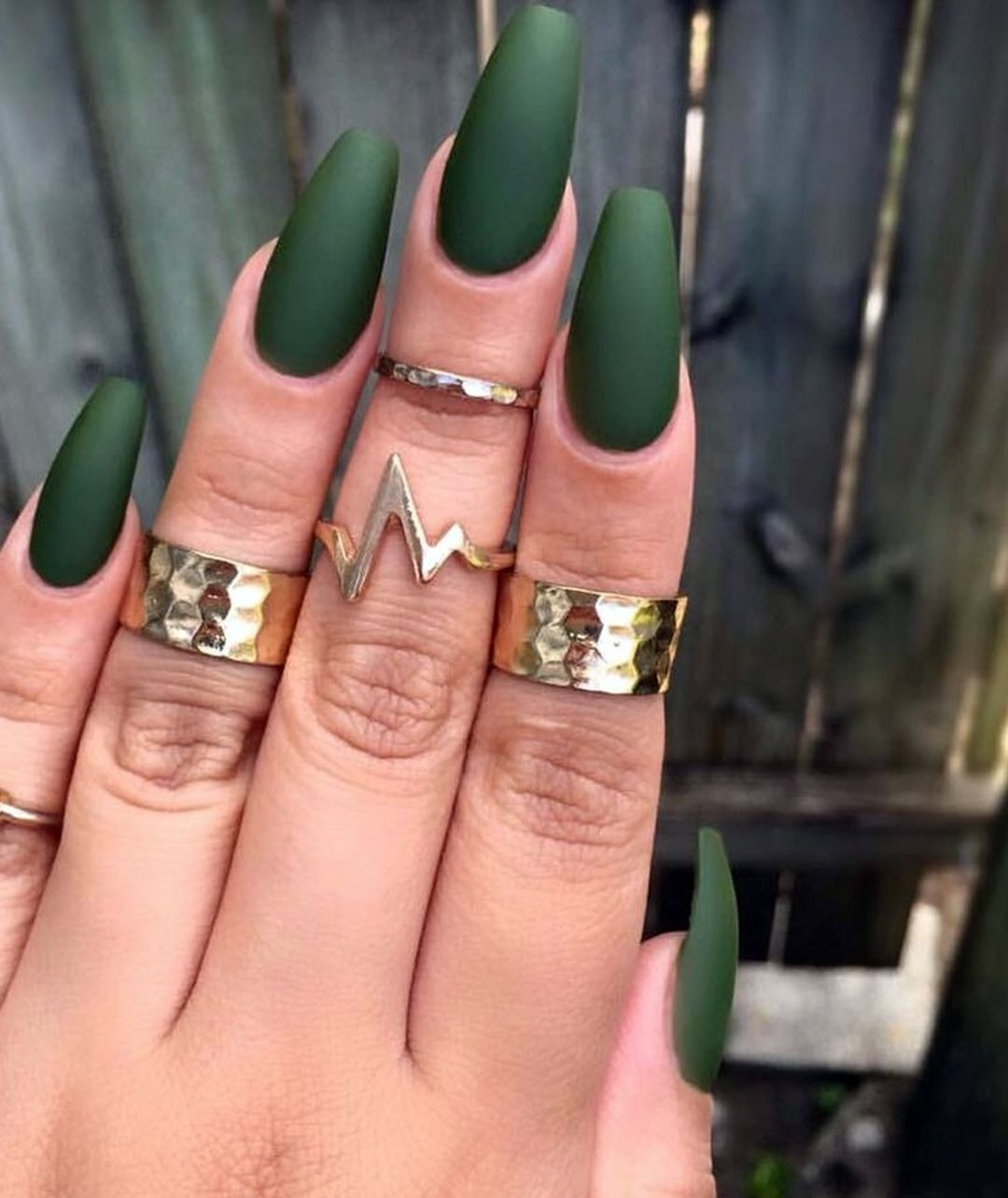 15 Cute And Trendy Green Coffin Nail Art Ideas Beautifulnailart Coffinnailartideas Nailar In 2020 Matte Olive Green Nails Green Acrylic Nails Olive Nails