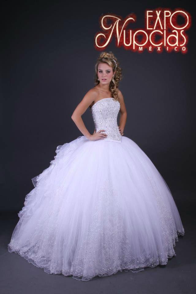 Espectacular vestido ampon de Jose Luis Ortega para tu boda. ExpoNupcias 7 & 8 de Marzo 2015 Palacio de los Deportes.