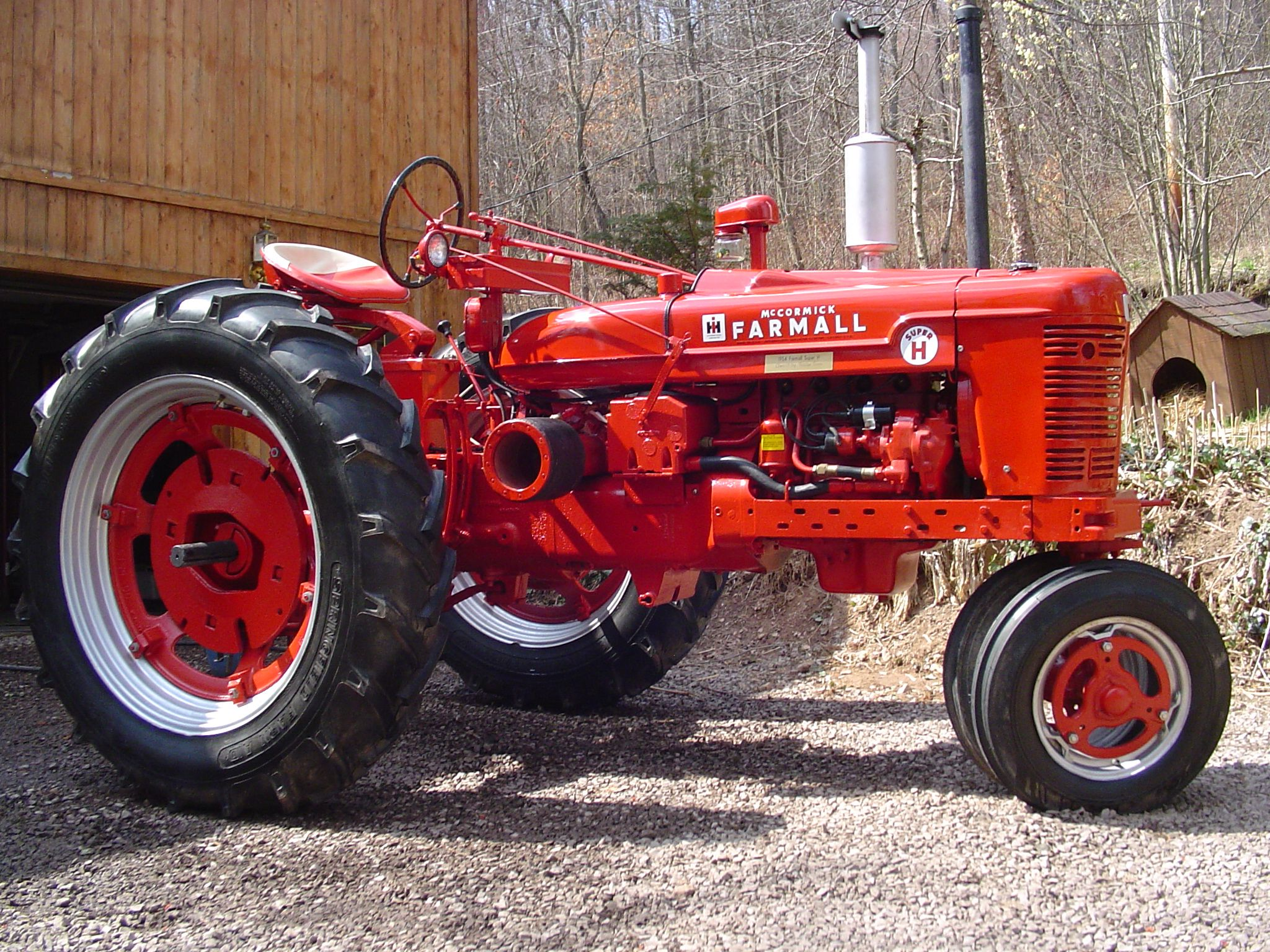 1954 International Harvester Farmall Super H Not a lot to say about this  tractor but holy crap I want one please