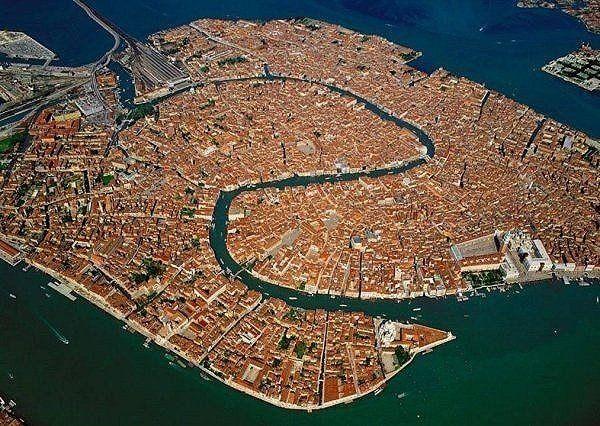 Города мира с высоты птичьего полета Barcelona, нью-йорк, венеция, владивосток, токио, шанхай, чикаго, длиннопост