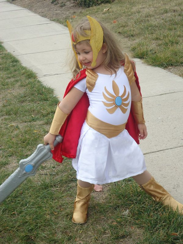 She-Ra costume! One of my favorite cakes shows as a little
