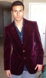 F. from El Paso wearing #vintage Boss Plum velvet jacket from www.vampalicious.co.uk