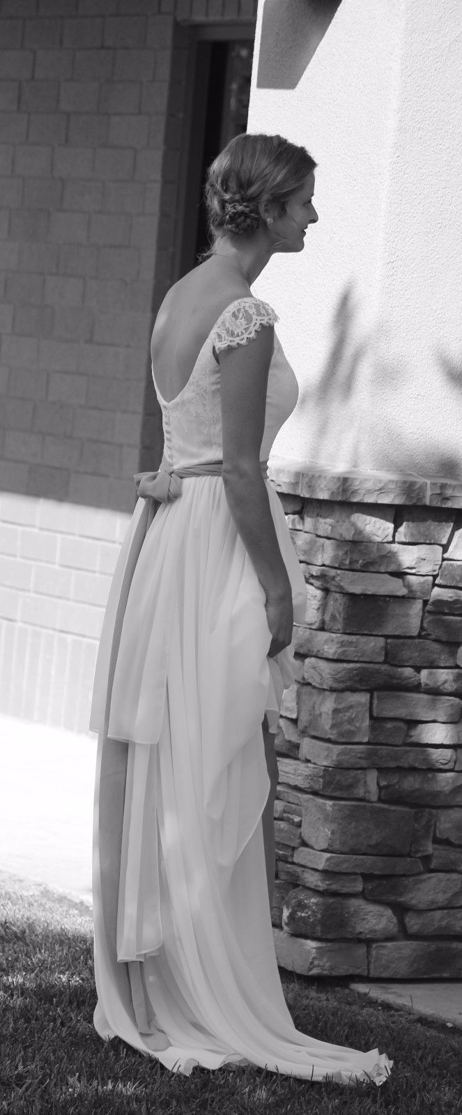 Elegant rustic ivory chiffon wedding dress with cap sleeves and