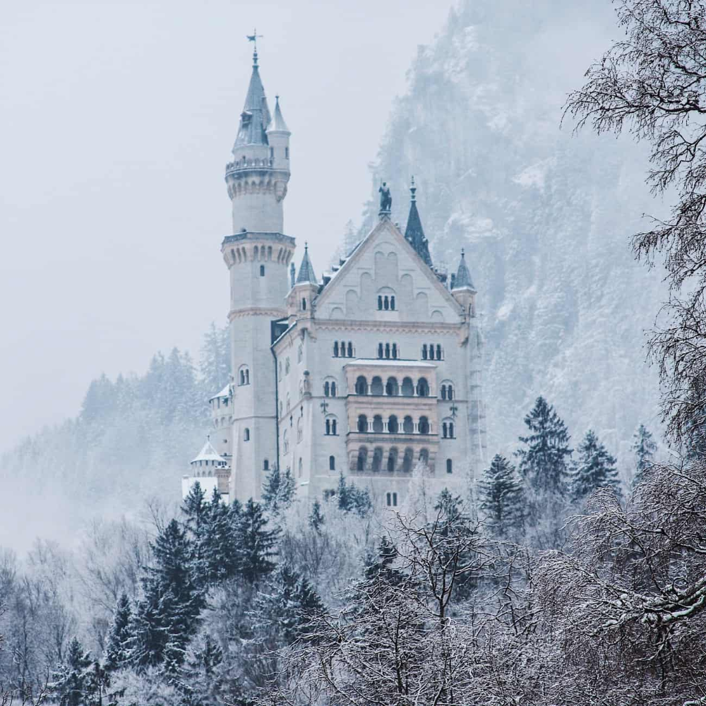 15+ most Instagrammable Castles in Europe – The Fairytale Castles