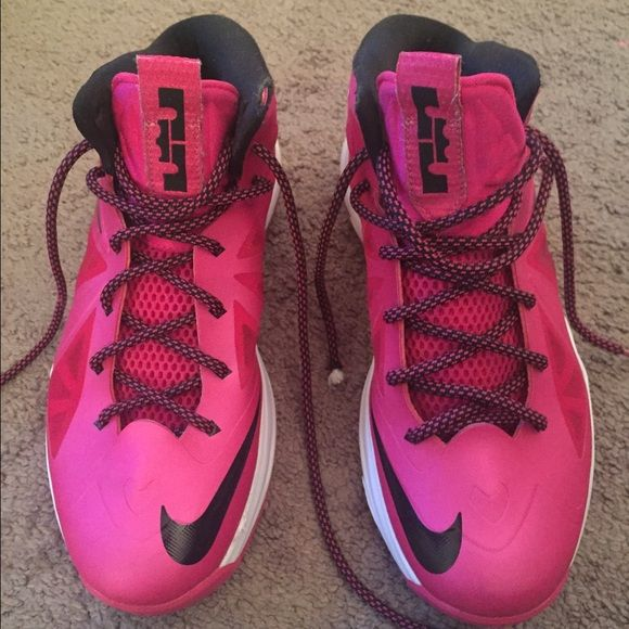 separation shoes 75475 dd0fc Nike Lebron 10 Women s Sneaker size 7Y Pink and black and in perfect  condition! Nike Shoes Sneakers