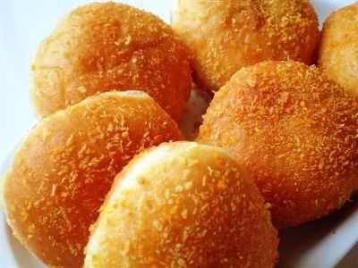 Resep Roti Goreng Isi Coklat Leleh Bantal Manis Paling Empuk Bumbubalado Com Resep Roti Rotis Resep