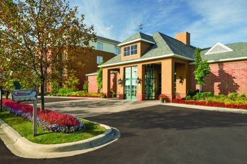 Homewood Suites by Hilton Detroit-Troy Troy (Michigan) Experience all the comforts of home and more at this all-suite hotel, situated in a suburb outside of Detroit, and offering spacious accommodations, complete with full kitchens and modern amenities.