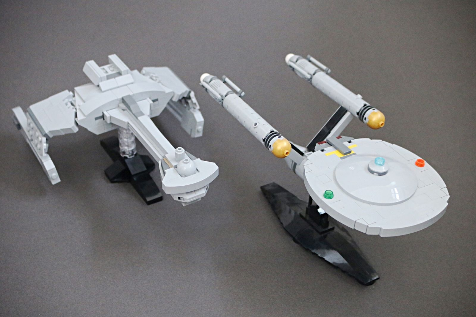 DS9 Instructions//Parts List Voyager Files Only Defiant LEGO STAR TREK