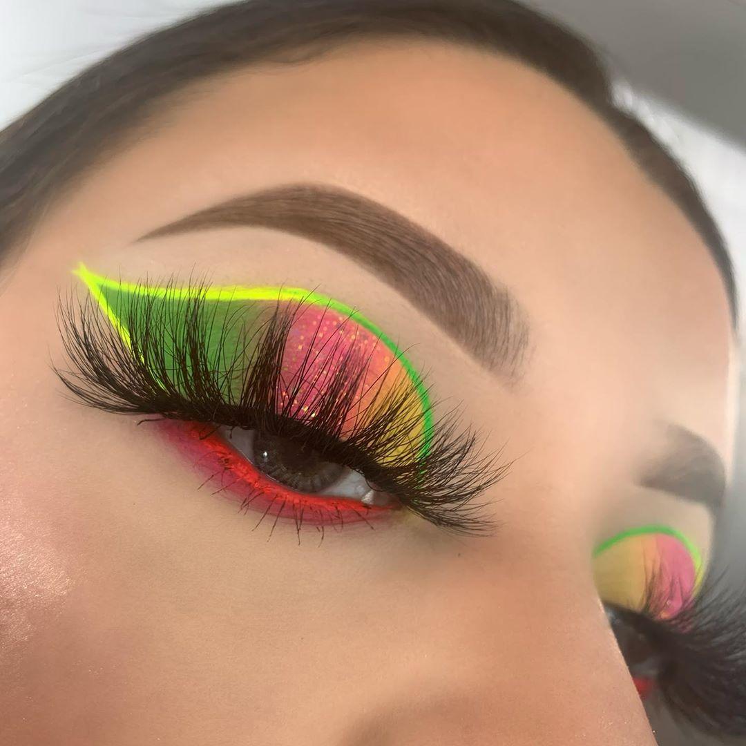 Brimariieee On Instagram Electric Soul Makeup Deets Morphebrushes 24a Artist Pass Palette Suvabeauty Hydra Fx Eyeline In 2020 Makeup Eyeliner Full Face Makeup