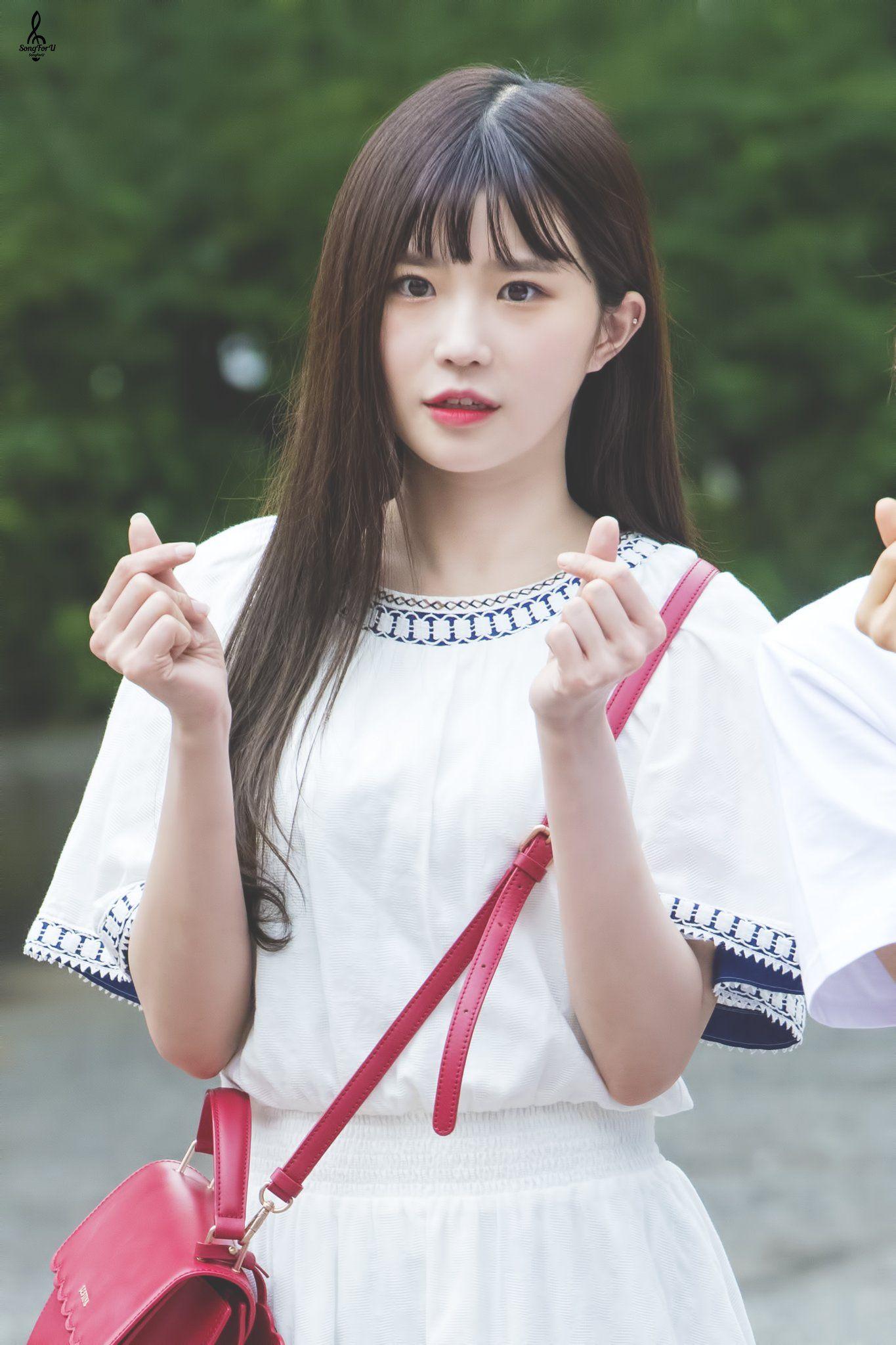 Hayoung fromis_9 하영 프로미스나인 Flower girl dresses, Pop