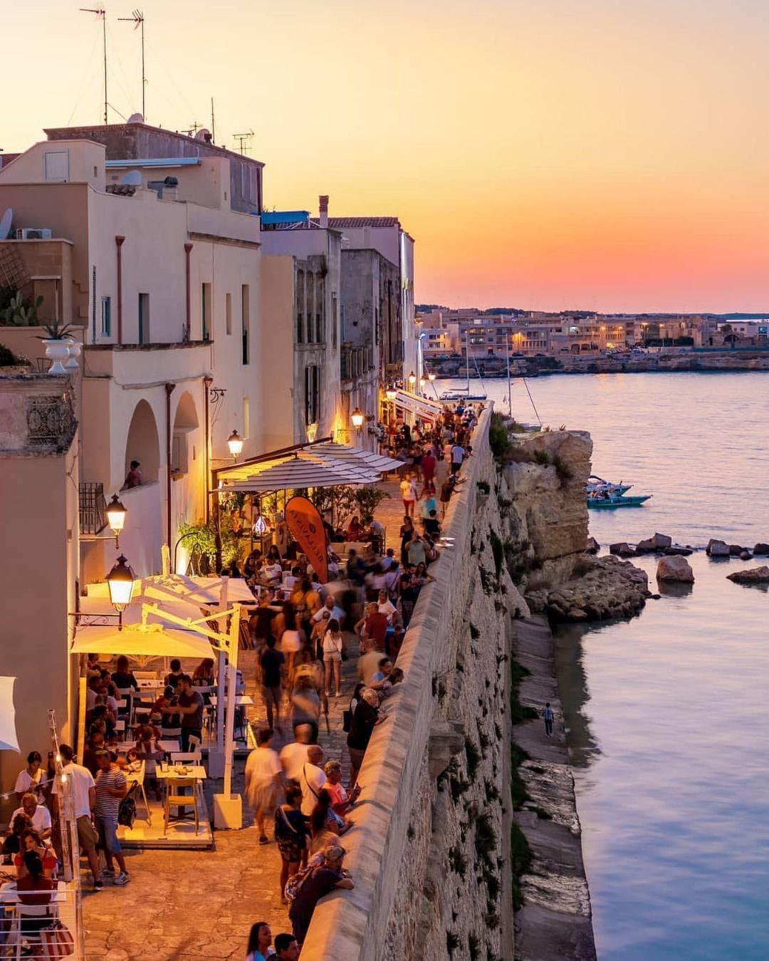 Italy At Night Is So Incredibly Beautiful Would You Like To Be Walking Down These Streets Right Now Let Us Know In T Italy Tours Best Of Italy Otranto