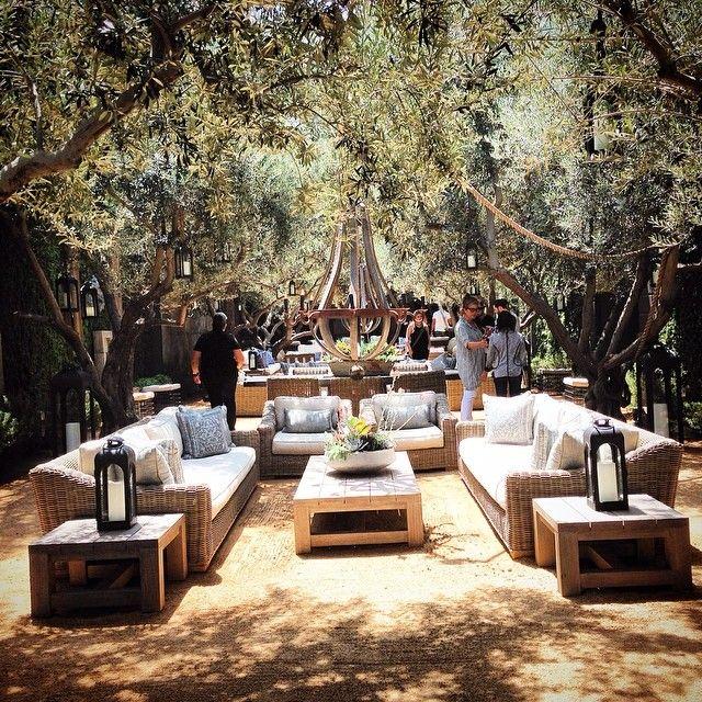 Garden Decor Los Angeles: Restoration Hardware Los Angeles Melrose