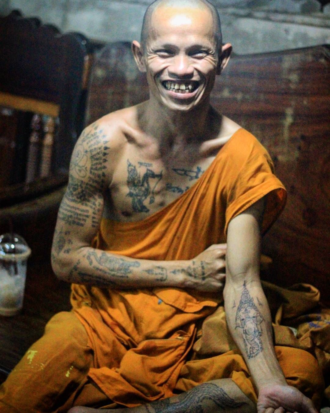 sak yant in thailand the ancient art of bamboo tattoos buddhist monk buddhists and bamboo. Black Bedroom Furniture Sets. Home Design Ideas