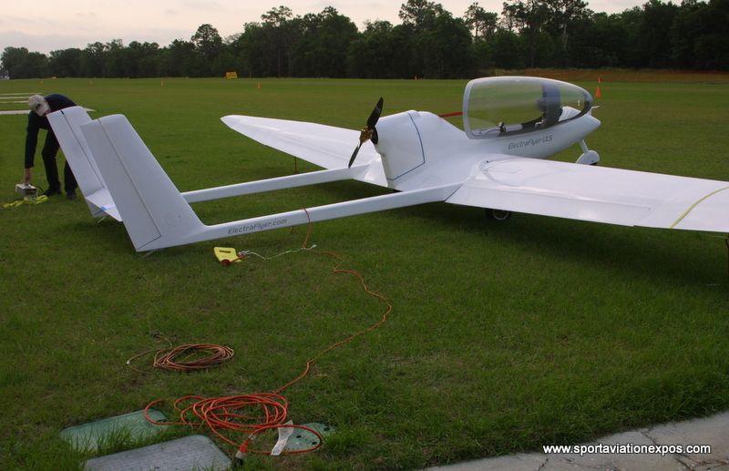 Electraflyer uls battery powered ultralight motor glider Randall motors