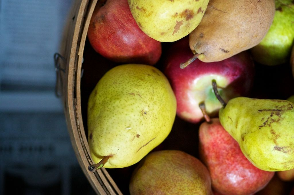 Every Apple Has Its Star & a Recipe for Apple-pear Sauce