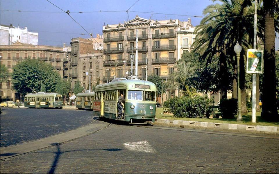 Els Tramvies Protagonistes A La Plaça Tetuan A Finals Dels Anys 60 Barcelona Barcelona Ciudad Fotos De Barcelona Barcelona España