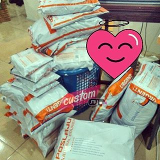 Done packing order pelanggan-pelanggan @custom_my ! .   Team...