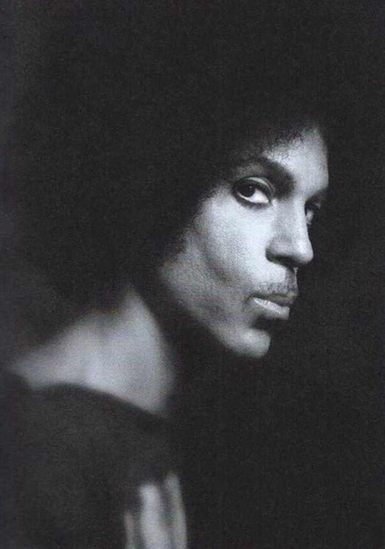 Side eye. #Prince. https://www.instagram.com/p/-Mz3HGGLeX/?taken-by=prince