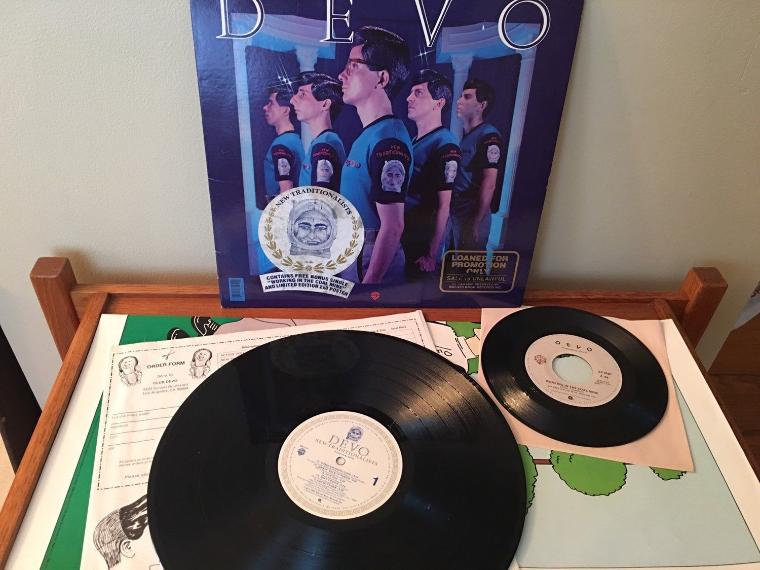 Devo New Traditionalists Vinyl Lp 12 Vinyl Record Promo Copy With Bonus 45 And Poster Working In The Coal Mine Devo Record Bsk 3595 Vinyl Records Vinyl Vinyl Record Album