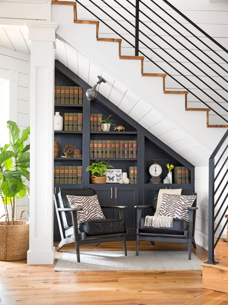 Decorating Ideas For Stairs And Hallways