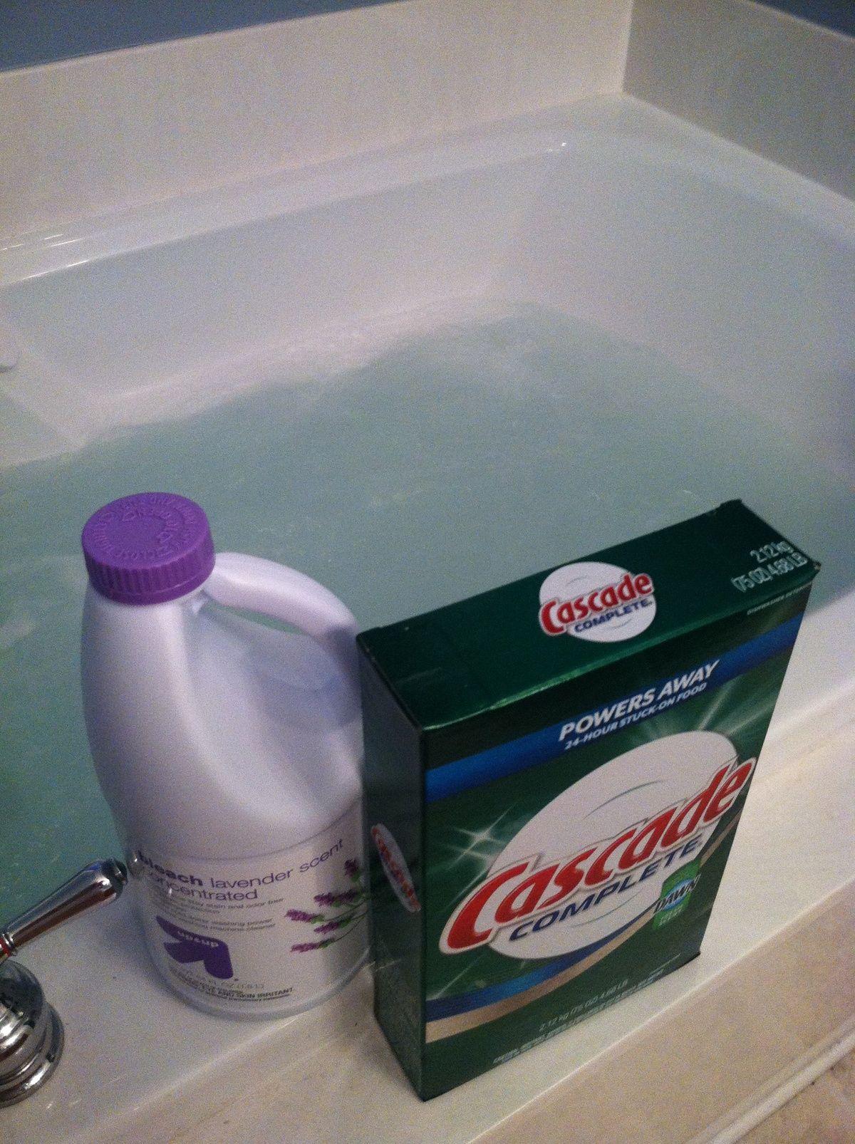 Clean jetted tub 1c dishwasher detergent plus 2c bleach