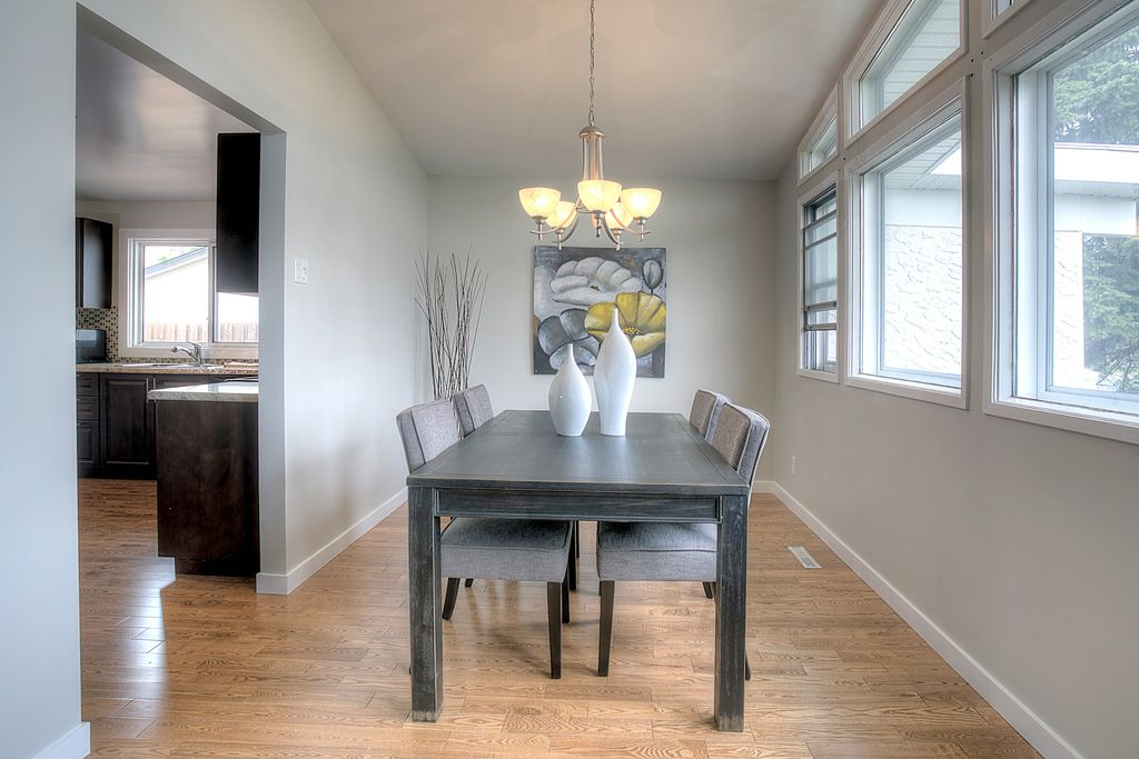 Home Evaluation   Dining Room   Milne Well Dressed Homes   Interior  Decorating Winnipeg, Manitoba