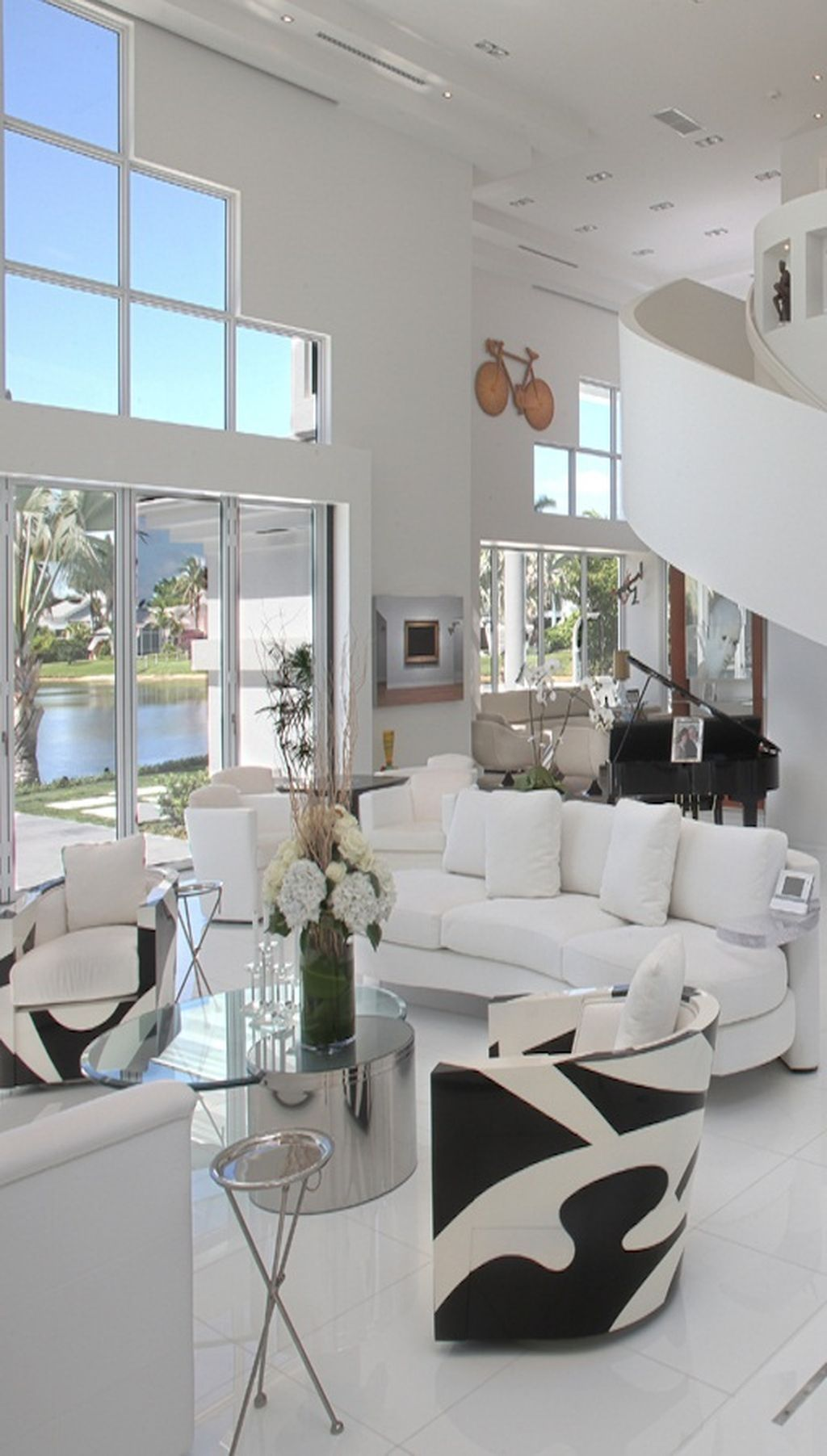 48 Beautiful Black And White Interior Design Living Room Décor Ideas images