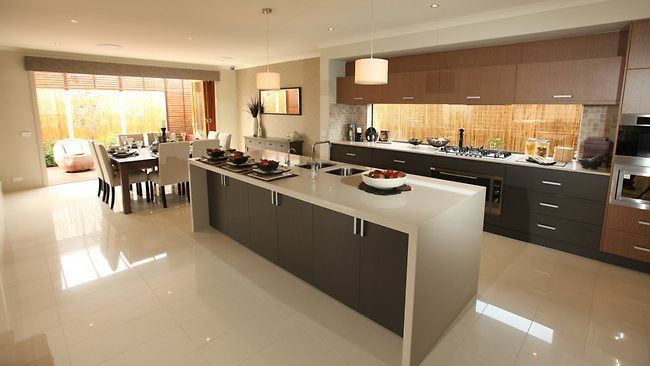 kitchen in middle of house - Google Search | Interior ...