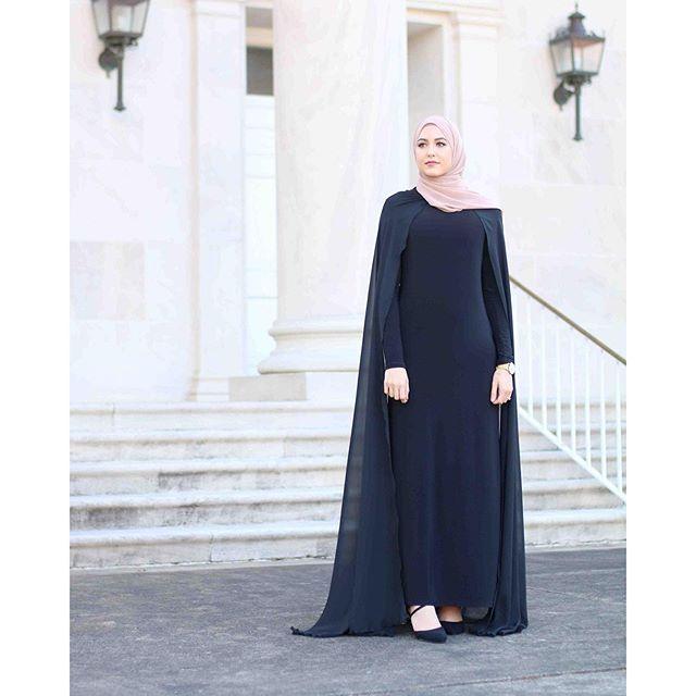 Feeling like a queen in the detachable cape dress by @infiniteabaya ✨