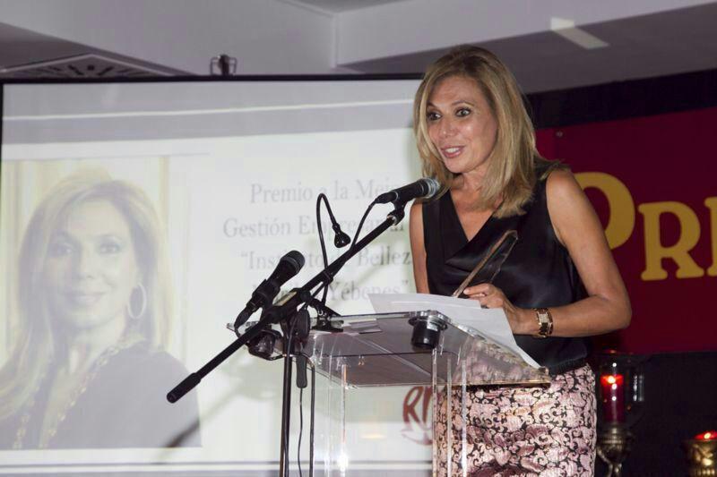 El grupo La Pesquera premia a Maribel Yébenes: http://maribelyebenes.com/el-grupo-la-pesquera-premia-a-maribel-yebenes/