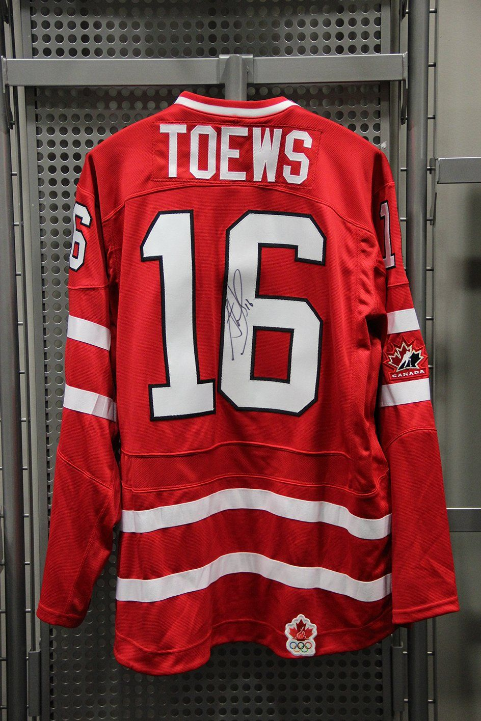 jonathan toews team canada jersey