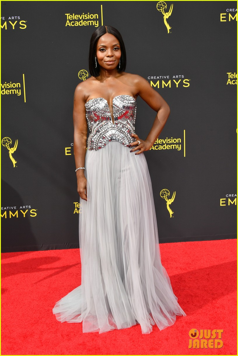 Angela Bassett, Lisa Kudrow & Rachel Bloom Step Out For Creative Arts Emmys 2019