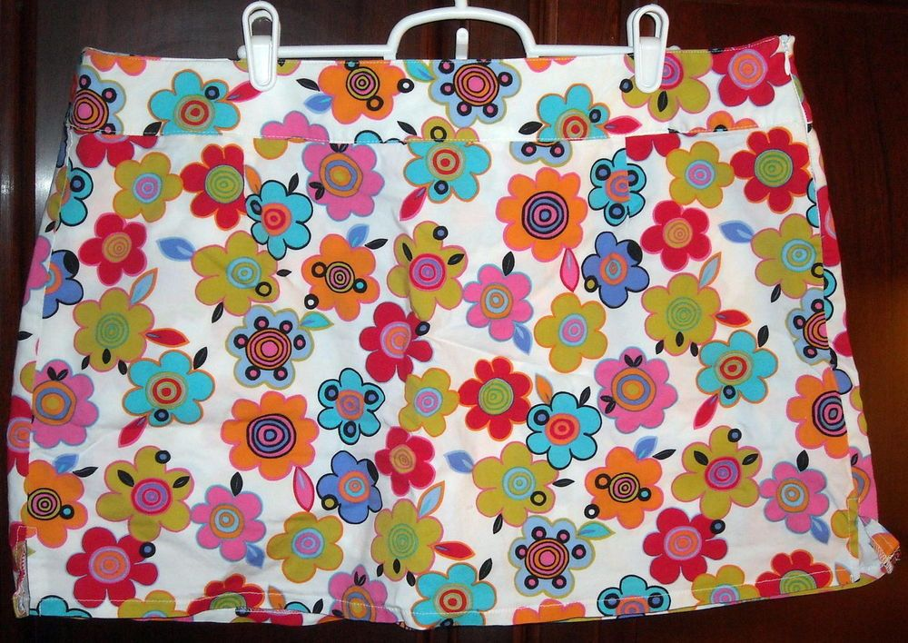 No Boundaries Bright Floral Print Skort Juniors Size 19 Ships Free in the USA $10.99